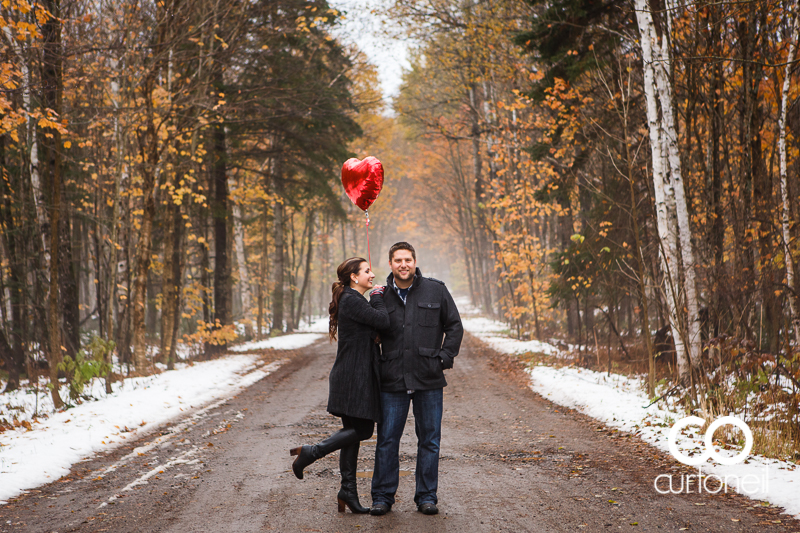 Sault Ste Marie Engagement Photography - Amanda and Allan - Wishart Park, snow, fall, balloon